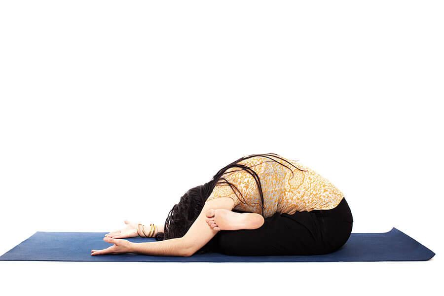 Lydia – Padasthilajanurasana (Ankle-to-knee pose)