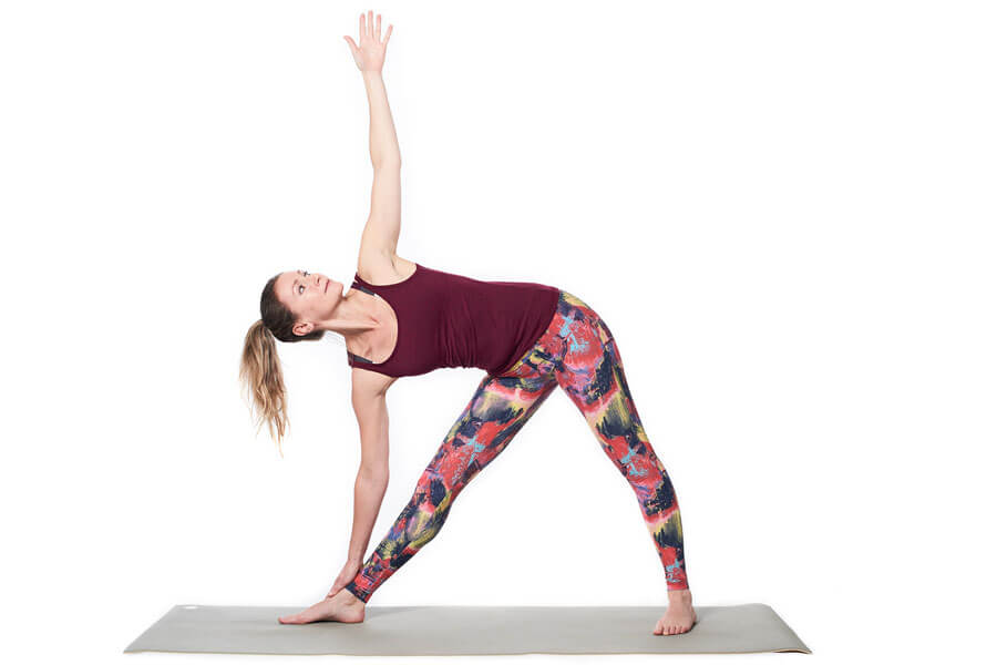 Utthita Trikonasana (Extended triangle posture)
