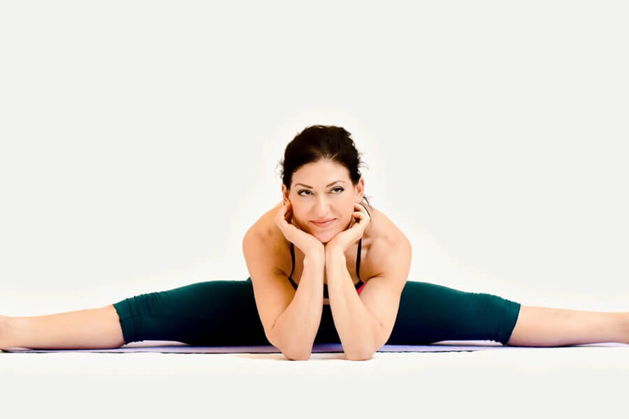 Billie - Upavistha Konasana (Wide angle seated forward bend)