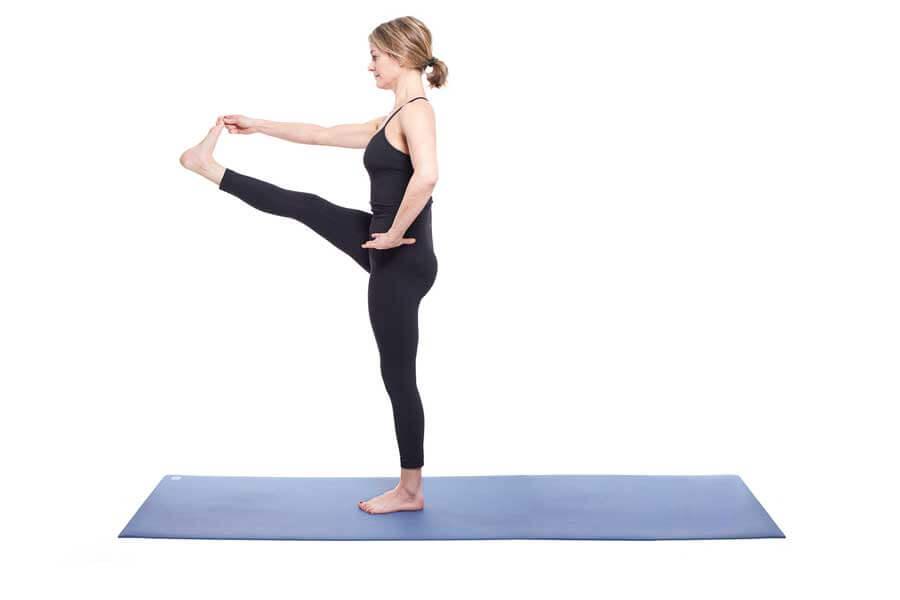 Sharon – Utthita hasta padangusthasana (Extended Hand-to-Big-Toe pose)