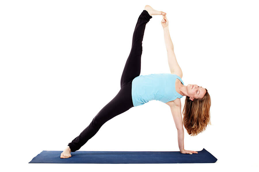 Alex – Vasisthasana (Variation on side plank pose)